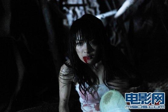 """孤岛惊魂            《孤岛惊魂》讲述一次""""生存游戏""""将彭飞(陈小春)"""