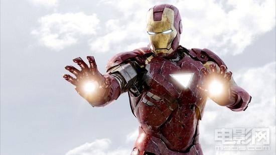 """评《复仇者联盟》:超级英雄组团步入""""宇宙级"""""""