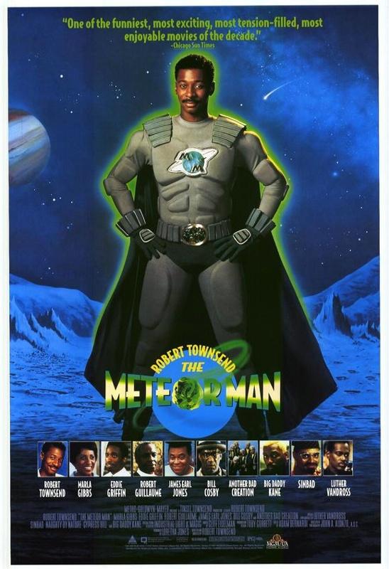"""超级英雄漫画在美国有着悠久的历史,不论是""""超级英雄之父""""斯坦·李创造的《美国队长》、《雷神》、《钢铁侠》等著作、画家弗兰克·米勒几斤成人漫画乖戾夸张的《鬼魂》还是杰瑞·西格尔打造的DC漫画的标志《超人》,现如今,这些曾在纸墨上熠熠生辉的漫画人物,无不成为好莱坞电影公司争相搬上大银幕,拍摄成真人电影的香饽饽。 2013年,《钢铁侠3》率先引爆暑期档,接连刷新票房纪录。而即将在7月北美上映的《超人:钢铁之躯》也被提前观影的外媒评为年度最好看的电"""