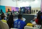 7月30日,《变形金刚4》中国演员招募活动第二轮培训及选拔正式开始,获得晋级名额的40强选手将面临全新的难题——向经典影片经典桥段致敬。凯莉•加琳多和马莎•库利奇两位专业老师为选手们量身定做了6个场景,接下来的一周时间里,选手们将各自录制相关桥段的短片,并参加8月4日的40晋12淘汰赛。
