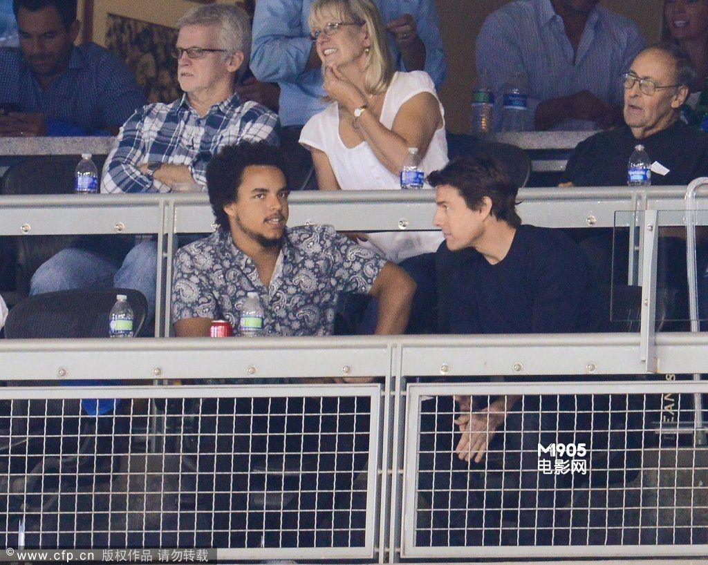 阿汤哥与养子看棒球赛 前妻凯蒂被传搭上克鲁尼 ( 1 ...