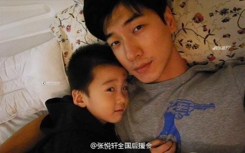 张亮写亲笔信为儿子天天庆生 称要做梦想爸爸