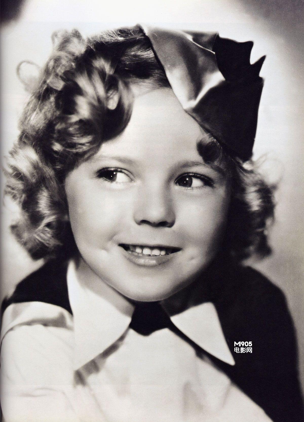 好莱坞最童真的笑容和那摇摇摆摆的踢踏舞,是所有人对秀兰&