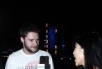 6月19日,《变形金刚4:绝迹重生》(Transformers:Age of Extinction)在香港举办了盛大的全球首映礼,作为电影主题曲的演唱者,梦龙乐队(Imagine Dragons)于首映式后在海运大厦天台举办了迷你露天演唱会,短短半个小时内唱遍6、7