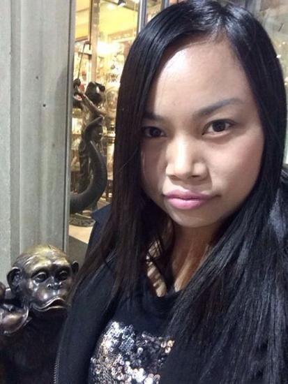 自拍照造型怎么摆_凤姐晒自拍撞脸猿猴网友自发提供造型建议