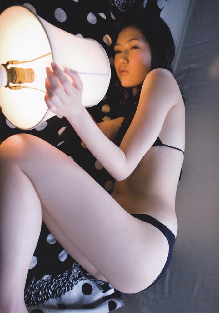 写真集电影_渡边麻友首套写真集 大胆露肉清新性感少女诱惑