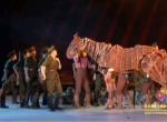 舞蹈《战马》演绎悲壮战场 感人心脾征服全场嘉宾