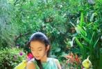 日前,我国著名的舞蹈艺术家杨丽萍在微博上转发了网友晒出自己的一组美照。照片中的杨丽萍十分美艳。