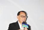 """《破风》8月2日在北京举行全球首映礼。导演林超贤率主演彭于晏、窦骁、王珞丹、陈家乐、连凯等悉数亮相,让这场首映礼的颜值成为近期最高。而成龙、谢霆锋、张涵予、陈嘉上、郭子健、张一白、袁弘等人的神秘出现,也让这场首映礼的""""彩蛋""""不断。"""