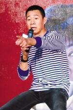 张丰毅承认刻意缺席儿子婚礼: 跟我不是一路人