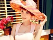 金巧巧时尚大片性感妖娆 粉色连衣短裙显娇媚