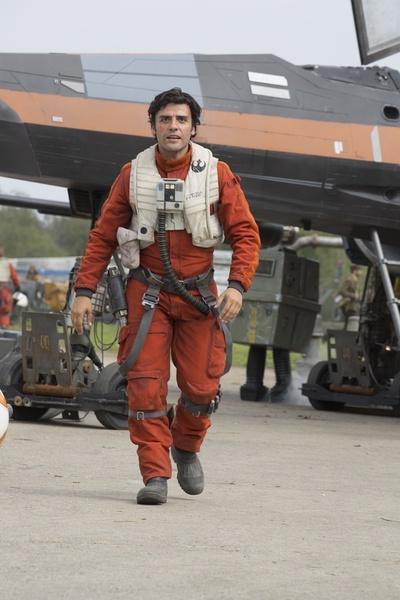 《星战7》多少易其稿 奥斯卡·伊萨克角色曾-去世亡-