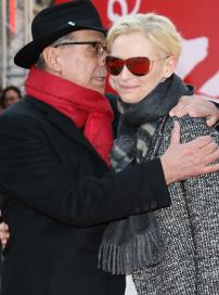 《昆西四季》柏林放映 蒂尔达·斯文顿帅气亮相