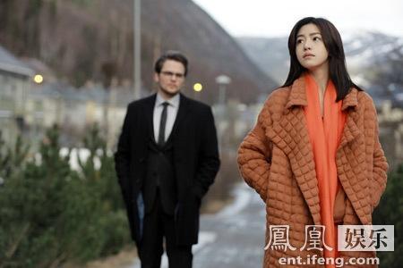 陈妍希《奔爱》首次全英文对白出镜 自弹自唱