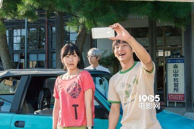 系列和《垒球少年》的丰岛圭介,除两位主演外,岸井雪乃,麻生久美子等