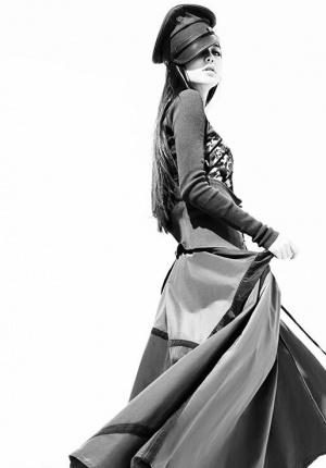 Angelababy拍时尚大片尽显叛逆 乖久了就酷一点
