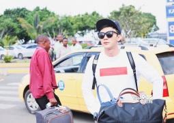 李晨撇范爷抵达肯尼亚机场 将出席联合国环境大会