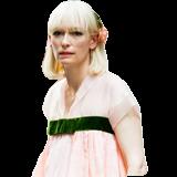 蒂尔达女王穿粉嫩装