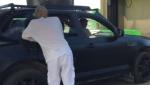 《变形金刚5》片场直击 迈克尔·贝上阵扒车导戏