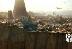 """《侠盗一号:星球大战外传》(以下简称《侠盗一号》)曝光了最新的电视预告,菲丽希缇·琼斯的声音响起:""""帝国正在制造极其可怕的武器,我需要你的帮助。""""坚定之余,也有掩饰不住的恐惧与无助。画面中,姜文、甄子丹出手对抗风暴兵,甄子丹似乎尤为擅长格斗。"""