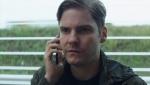 《美国队长3》删减片段 大反派泽莫约见乔·罗素