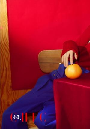 林允拍杂志大片 变身摩登女酷玩性感时尚风超美