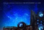 4个月之前杀青的《星际特工》,是法国著名导演吕克·贝松的最新一部科幻片。日前,该片公布了全新的剧照和海报。在剧照中,戴恩·德哈恩帅气亮相,长着长鼻子的外星生物首次登场。而在海报上,巨大的飞行器似乎被遗落在了一个不知名的星球上,等待着两位主角的,是谜一样的未来。
