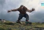 国际著名导演史蒂文·斯皮尔伯格执导,好莱坞著名编剧梅丽莎·马西森的遗作,改编自罗尔德·达尔的全球畅销小说《好心眼儿巨人》,第88届奥斯卡最佳男配角马克•里昂斯领衔主演的全新奇幻电影《圆梦巨人》,将于10月14日以IMAX 3D、3D、2D等全制式全国上映。据悉,导演斯皮尔伯格将要来华,为影片上映宣传造势。同时,这也是导演斯皮尔伯格首次专门为宣传影片的访华之旅。
