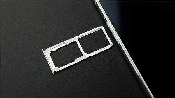 铁证如山!iPhone要支持双卡双待了