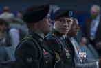 """李安新作《比利·林恩的中场战事》将于11月11日全球同步上映。影片首曝特辑,展现片场花絮,李安及幕后团队现身阐释了新片颠覆以往电影观感的""""沉浸式体验"""",帮观众更好理解这个关于军人的故事。据悉,影片将于北京时间10月15日在纽约国际电影节举行全球首映,李安将携全体主创亮相红毯,届时翘首以盼的影迷可以一睹影片真容。"""