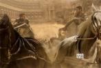 好莱坞史诗巨制《宾虚》(Ben-Hur)已于10月10日正式登陆国内院线。开画两天来,评论对电影给予多方面的肯定,有盛赞场面,如战车海战场面心惊肉跳,耶鲁沙冷城的还原度极高;也有深入挖掘,剖析出新版《宾虚》区别于59年经典旧版的主旨,认为电影通过宾虚和米撒拉两人的爱恨交织,体现出新兴基督文明与罗马文化的冲突与融合。