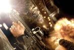 由美国派拉蒙影片公司和美国天空之舞制片公司,联合上影集团,华桦传媒出品的好莱坞特工动作大片《侠探杰克:永不回头》已于10月21日全国正式公映,与北美同步开画。影片由爱德华·兹威克执导,汤姆·克鲁斯、寇碧·史莫德斯领衔主演。今日,片方发布4支电影精彩片段,集结了汤姆·克鲁斯最精彩的肉搏和枪战画面,展现了阿汤哥凌厉迅猛的格斗风格,令无数影迷为之疯狂。据悉,《侠探杰克:永不回头》自21日上映以来,口碑燃爆势不可挡、备受市场关注,而该片在全球多个国家的票房更是独领风骚,夺得各