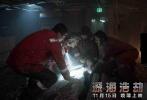 2016好莱坞压轴高分灾难巨制《深海浩劫》,由拍摄过《超级战舰》的好莱坞著名导演彼得·博格执导,《变形金刚4》、《偷天换日》、《泰迪熊》男主马克·沃尔伯格实力加盟,同时力邀《移动迷宫》迪伦·奥布莱恩、金球奖最佳女主角吉娜·罗德里格兹、凯特·哈德森、老戏骨库尔特·拉塞尔和约翰·马尔科维奇同台飙戏。