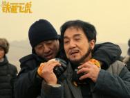 成龙捧得小金人 《铁道飞虎》MV动情致敬