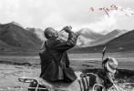 """导演万玛才旦的第五部藏语电影《塔洛》即将于12月9日在全国""""限量上映"""",而近日,《塔洛》将率先于11月18日开始在西北三城西宁、兰州、拉萨进行超前点映。"""
