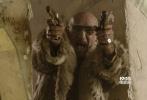 """被称为""""英伦第一美少年""""的新生代演员尼古拉斯·霍尔特自从跟大表姐分手之后,事业也是越来越旺,日前由他与菲丽希缇·琼斯领衔主演,联手两大影帝安东尼·霍普金斯、本·金斯利加盟的高速狂飙大片《极速之巅》将于12月2日在国内上映。新鲜的肉体VS绝对的戏骨,将给观众带来观影体验上耳目一新的极大满足。"""