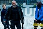 """由著名导演本杰明·罗切尔执导,让· 雷诺、卡特琳娜·莫里诺、奥尔本·勒努瓦联袂主演的犯罪动作片《反黑行动组》即将于12月9日在中国内地上映。今日,片方发布""""破天阴谋""""预告片,实力派演员让· 雷诺在《这个杀手不太冷》中冷静深沉的杀手形象深入人心,在本片中更是再造经典角色,饰演一名性情耿直的铁血神警,带领着反黑行动组成员与犯罪分子斗智斗勇。"""