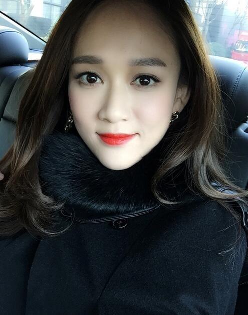 """"""" 看到迷糊的陈乔恩这么可爱,网友也忍不住分分留言为她讲解:""""是人身"""
