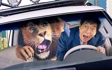 《功夫瑜伽》台湾版预告 成龙与狮同车闹事狂