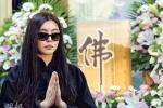 王祖贤哭别亡父 表示自己将潜心修佛不再演戏