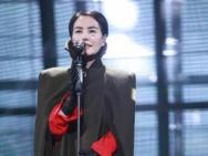 龚琳娜老罗开炮:王菲演唱会走音 已不是专业歌手