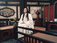 姚晨西游妖艳女装曝光 演雌雄莫辨国师撩懵吴亦凡