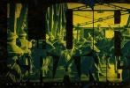 """黑帮传奇系列电影《上海王》,近日曝光一组时代风云版海报,色彩缤纷中,人物传奇与时代巨变交相辉映,将20世纪初那个风云巨变、千年未有的大变局中,浮华璀璨的""""东方巴黎""""生动呈现。"""