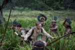 皮特监制《迷失Z城》最新剧照 土著人包围探险队