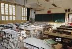 """1月10日晚,韩寒于个人微博发布一组母校松江二中的照片,并写道:""""两个月前《乘风破浪》还去了松江二中取景。在那里念书时我十七岁,然后离开学校,走入社会。现在我已经三十四岁。一半的人生都生活在风浪起伏之中,回到母校,恍如一梦。"""""""