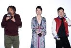 """1月11日,热血青春电影《少年巴比伦》在北京举行首映仪式,导演相国强、主演董子健、李梦、尚铁龙、李大光,以及华谊兄弟电影公司总经理叶宁盛装出席。现场气氛热烈,特别是""""来势胸胸""""活动环节,董子健化身""""老司机""""与李大光比拼单手解胸罩,引发现场观众尖叫。"""