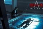 """好莱坞动作冒险奇幻巨制《刺客信条》于情人节发布了""""赤膊上阵""""正片片段,给无数迷妹送上超级福利。片段中,法鲨大方露出完美身材,半裸出镜挑战激烈动作戏。该片由贾斯汀·库泽尔执导,迈克尔·法斯宾德(《X战警:天启》)、玛丽昂·歌迪亚(《蝙蝠侠:黑暗骑士崛起》)、杰瑞米·艾恩斯(《蝙蝠侠大战超人:正义黎明》)、亚里安妮·拉贝德(《爱在午夜降临前》)和迈克尔·威廉姆斯(《无敌浩克》)等人主演,将于2月24日以3D、IMAX 3D、中国巨幕3D形式登陆全国院线。"""