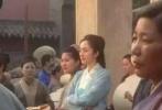 2月16日,有网友在微博晒出杨幂拍摄《绣春刀·修罗战场》的路透照,其中一张照片中,杨幂扎着高马尾,灰头土脸的。另外几张照片中,杨幂穿着粉色凉拖,笑容灿烂,十足少女心。