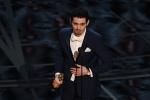最佳导演奖颁给《爱乐之城》 达米安·沙泽勒登台