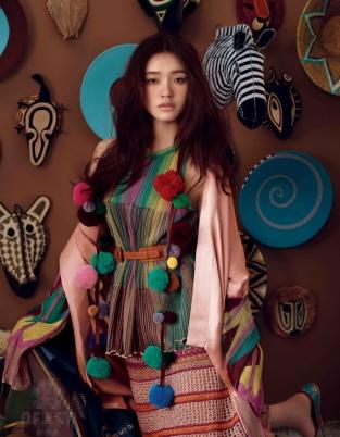 林允最新时尚大片曝光 眼神魅惑变身狂野少女